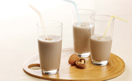 Batido de leche de soja y nueces